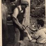 Angelo Gandin maniscalco (in ginocchio)